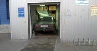 Пьяный омич решил припарковать «шестерку» внутри «НоваТора»