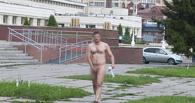 В гулявшем по Омску голом мужчине распознали известного актера
