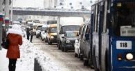 Омские улицы ночью от снега расчищали 90 единиц техники