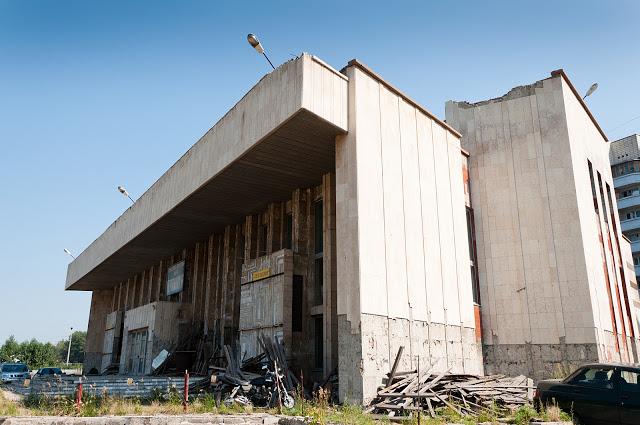 Омский кинотеатр «Первомайский» готовится к большой реконструкции