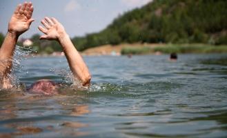 В селе Окунево Омской области пенсионер утонул после посадки картошки
