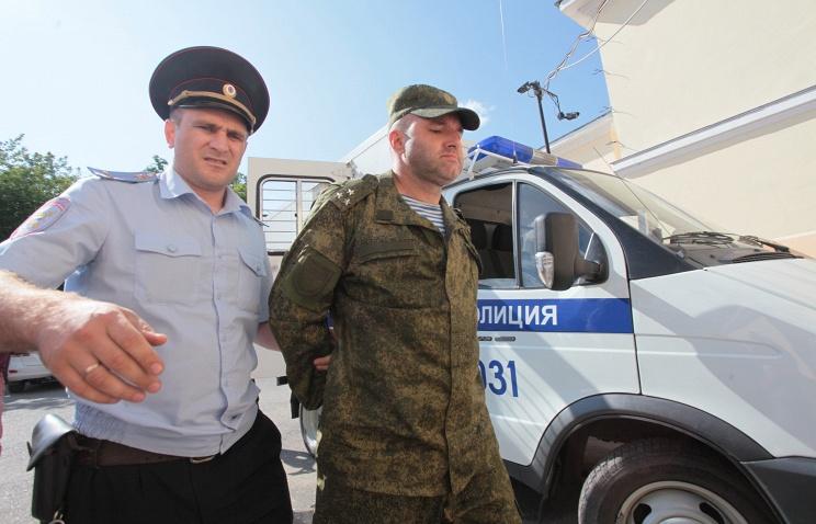 Военная прокуратура требует наказать тех, кто арестовал полковника Пономарева