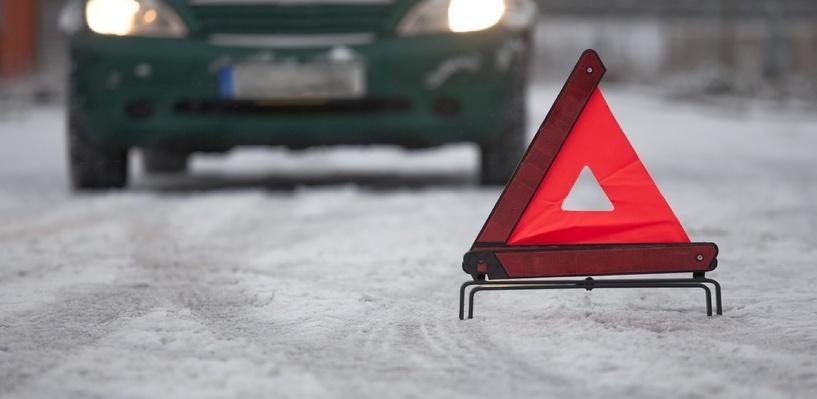 В Омске водитель отечественного авто сбил девочку на «зебре»