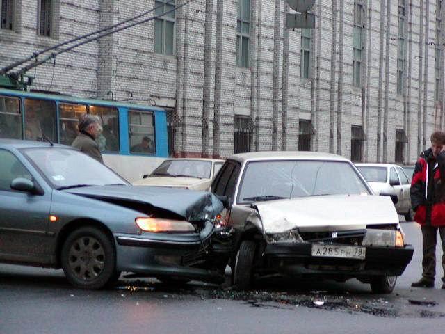 Плюсы кризиса: водители стали меньше ездить и реже попадать в ДТП