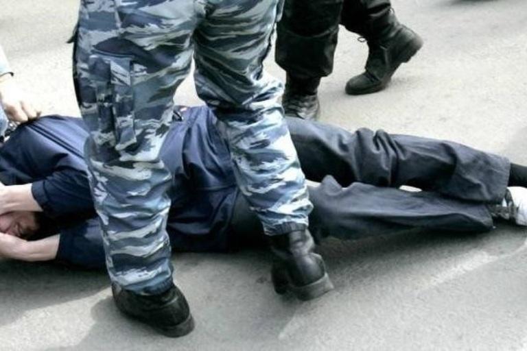 СМИ: полицейские в Калачинске избили и ограбили жителя Новосибирска