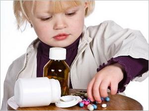 В Омской области двое детей, оставшись дома без родителей, наглотались таблеток