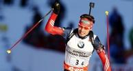 Первое личное золото в сезоне: Антон Шипулин выиграл гонку преследования на КМ по биатлону