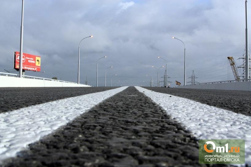 Минтранс хочет повысить акцизы на бензин, зато строить больше дорог