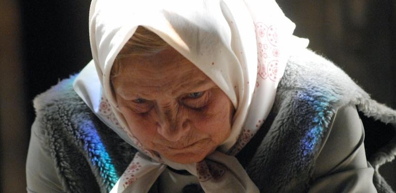 В Омской области дембель на глазах у пенсионерки похитил все ее сбережения