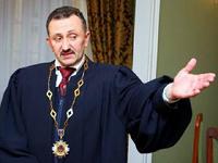 На Украине бывший судья написал свой вариант Mein Kampf