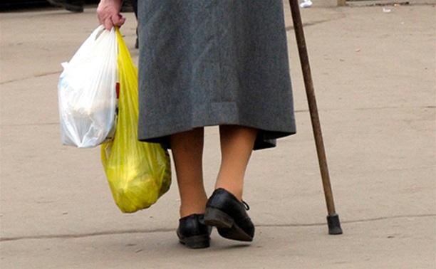 В центре Омска пассажирская маршрутка сбила пенсионерку