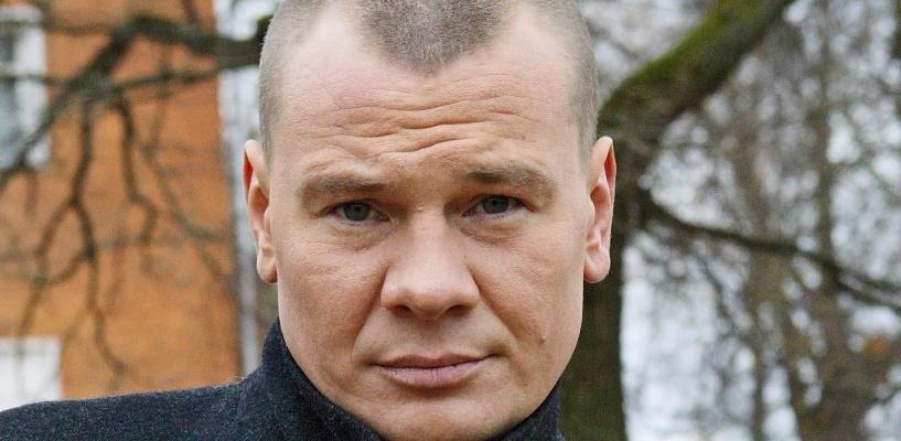 Журналисты в Омске нашли биологического отца актера Владислава Галкина