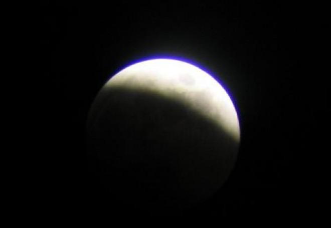 Омичи смогут наблюдать за полным лунным затмением