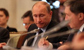 «Вы сможете приложить свои силы на других участках»: Владимир Путин утешил отставленных губернаторов