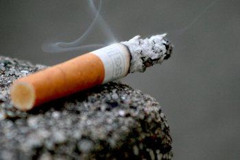 В Омской области на пожаре из-за сигареты чуть не погибли двое