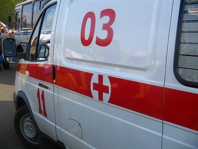 В Омске во дворе дома 24-летний водитель сбил девочку-подростка