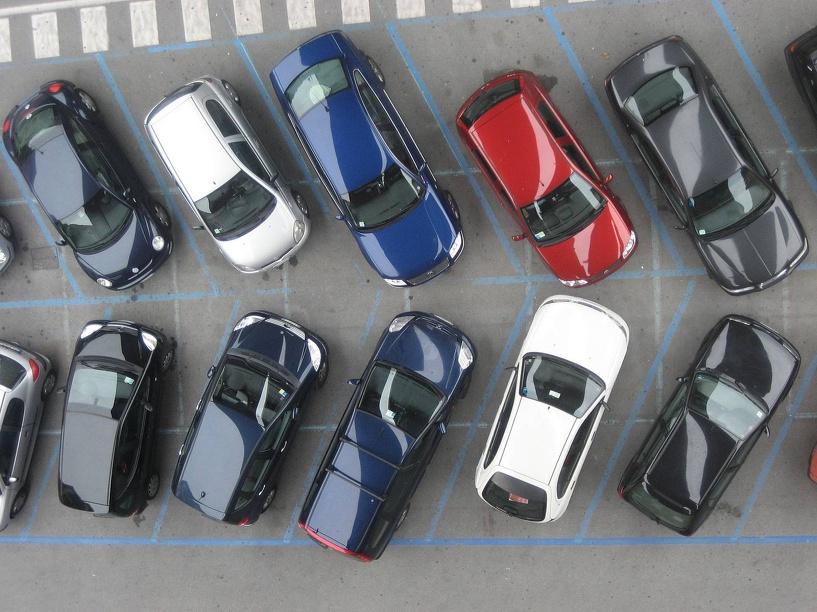 В Омске дополнительно появится более 4000 парковочных мест