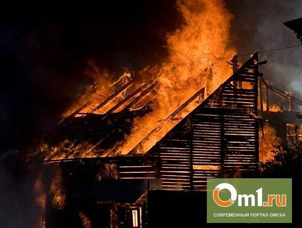 В Омске на пожаре пострадал неизвестный мужчина