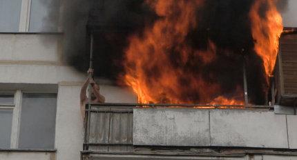 Добровольцы из «Омского бекона» помогли потушить горящий дом
