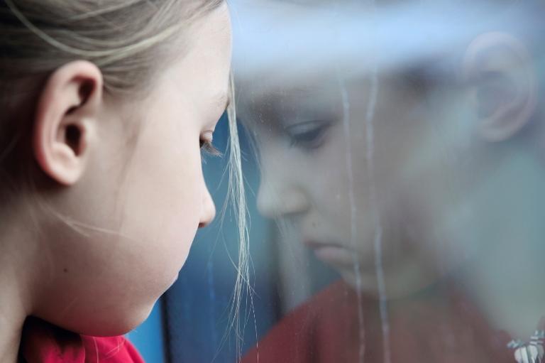 Омичка бросила двух малолетних детей в городе, а сама уехала в Усть-Ишим