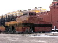 Тело Ленина оставили в Мавзолее после ремонта