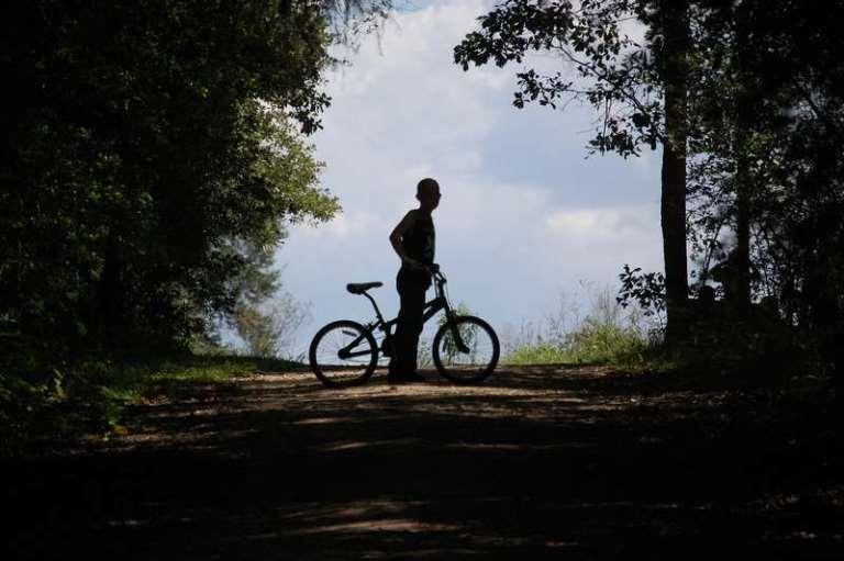 В Омской области с прогулки на велосипеде не вернулся 6-летний мальчик