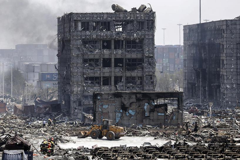 Число жертв взрыва на складе в Китае выросло до 55 человек