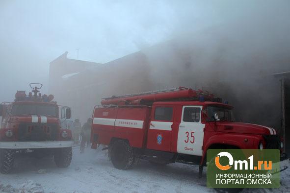 В Омске горел цех по обработке древесины (ФОТО)