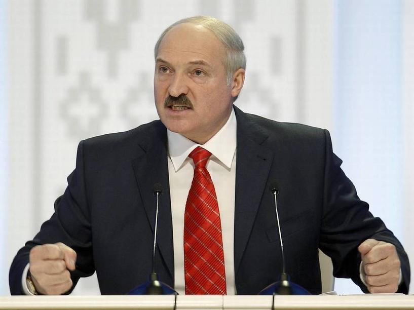 Батька передумал. Александр Лукашенко собрался торговать с Россией только за валюту