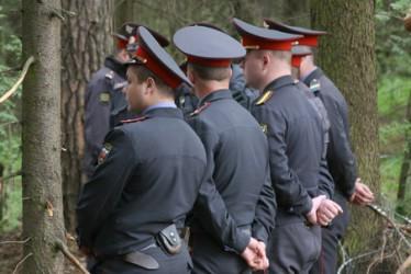 В лесах Омской области нашли труп мужчины, завернутый в полиэтилен