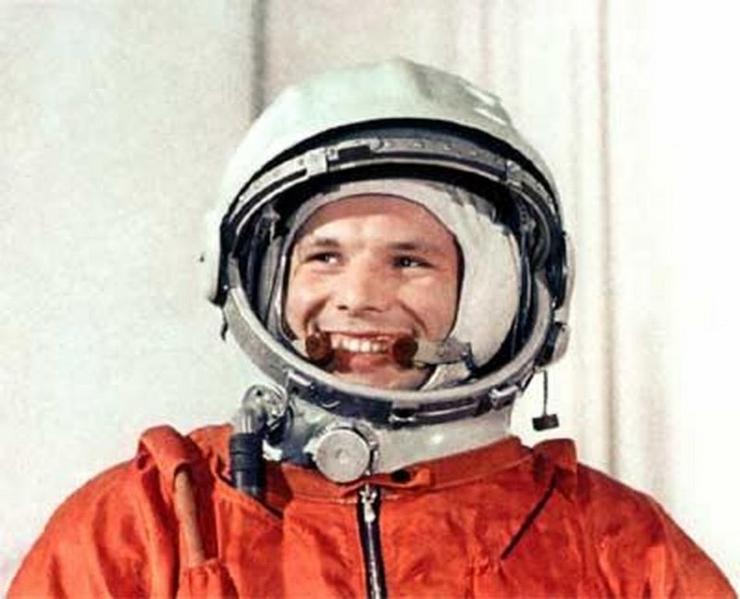 На онлайн-аукционе продадут фрагмент космического корабля Гагарина