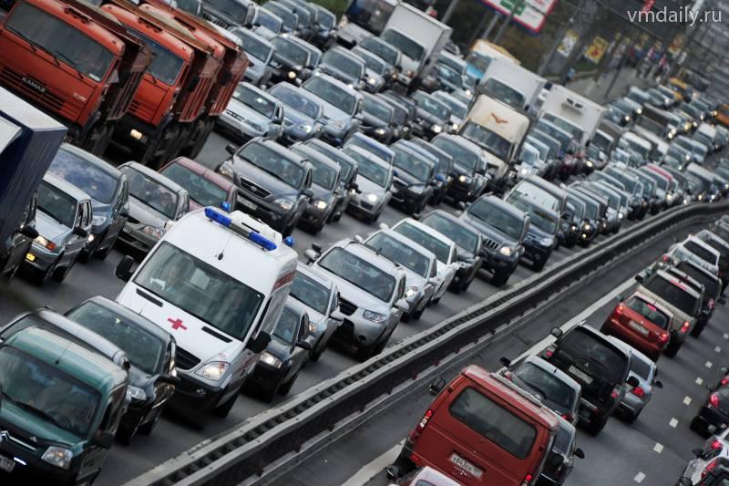 Омский минздрав поддержал идею о повышении штрафа для водителей, не уступившим дорогу скорой помощи