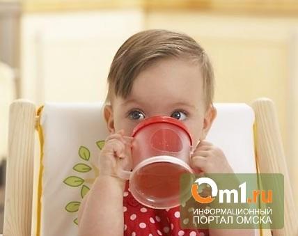 Еще один малыш в Омской области ошпарился кипятком на кухне