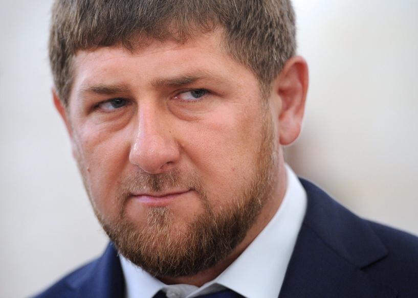 Кадыров удостоил уборщицу мечети звания Почетного гражданина Чечни
