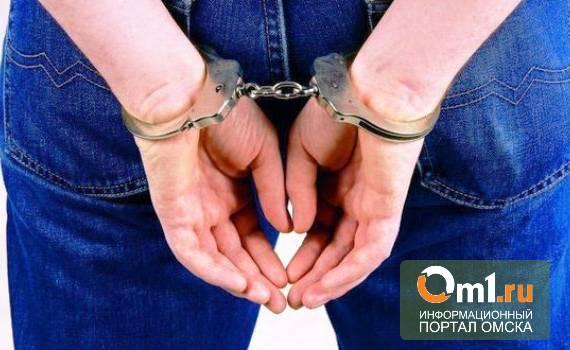 В Омском районе избили и ограбили 50-летнюю женщину