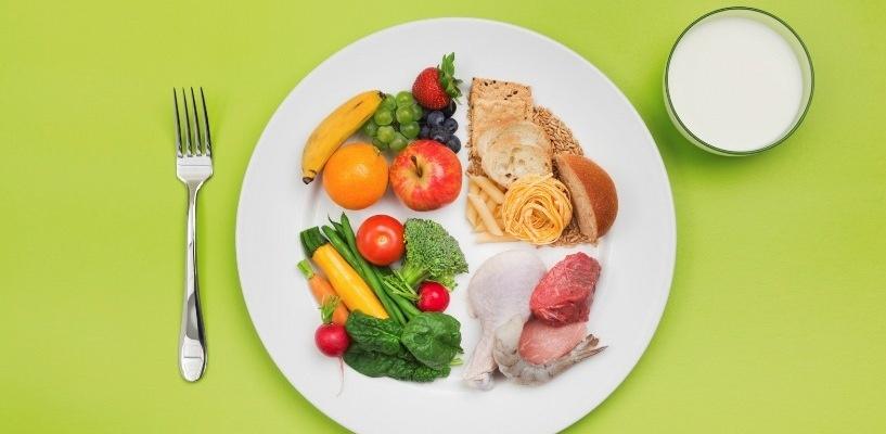 Каждый четвертый россиянин стал меньше питаться