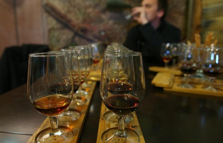 Крымские виноделы просят Путина не ввозить в Россию европейские вина