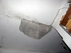 В Омской области на четырехлетнего мальчика упал потолок
