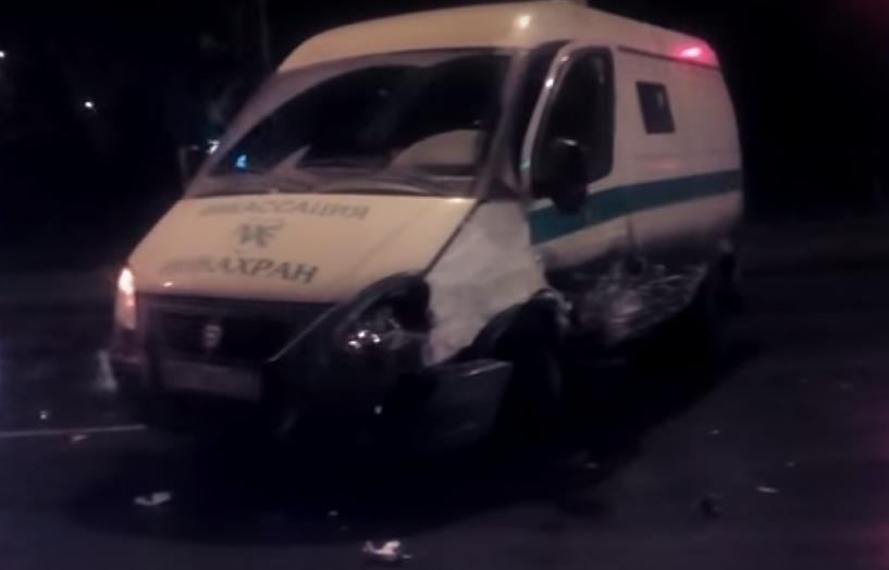 В Омске на Красном пути произошло крупное ДТП с инкассаторской машиной (видео)