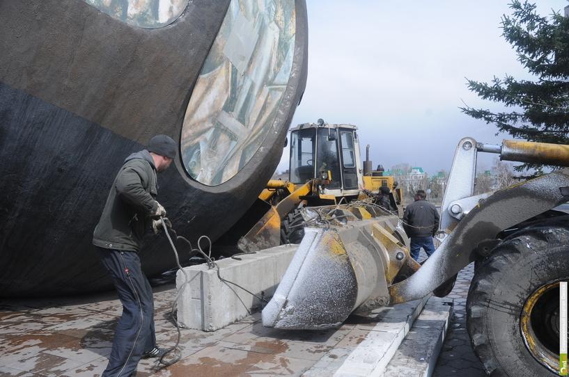 В Омск идет ураган со шквалистым ветром, грозой и градом