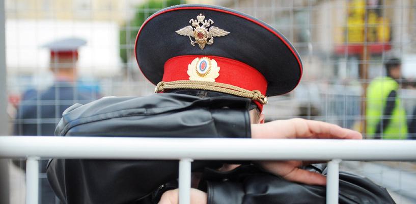В Омске многодетного полицейского поймали с наркотиками