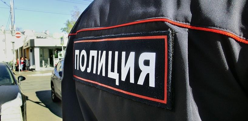 Омич похитил сотовый телефон, угрожая его владельцу гвоздем