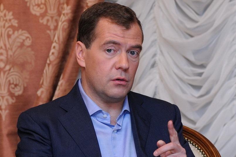 Медведев: Мы будем защищать все компании, которые попали под санкции