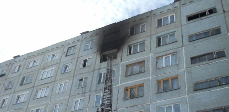 В Омске из горящей девятиэтажки спасли 25 человек, в том числе ребенка