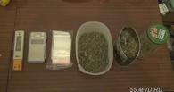 Омич устроил у себя дома лабораторию по выращиванию марихуаны