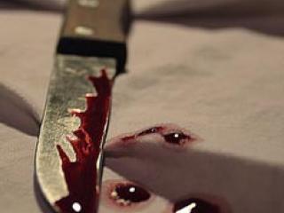 В Омске мужчина убил жену на глазах трехлетнего ребенка
