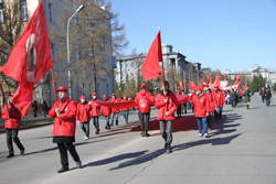 ЛДПР в Омске присоединились к «Монстрантам»,а КПРФ поразили своей краснотой