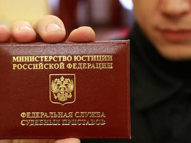 В Омске судебные приставы случайно задержали участника кровавой драки