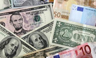 Впервые за полтора года курс доллара опустился ниже 59 рублей