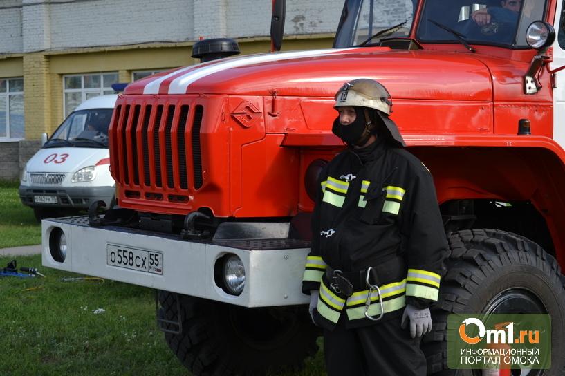 В Омской области сгорел склад автозапчастей